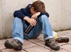 Причины подросткового алкоголизма и как с ним бороться